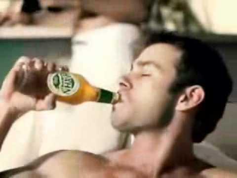 O que o Homem faz por loira... - Beer commercial