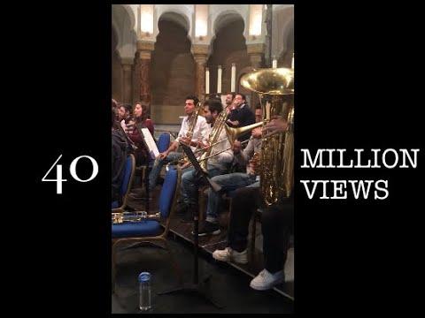 Śmieszki z sekcji dętej robią resztę orkiestry w trąbę