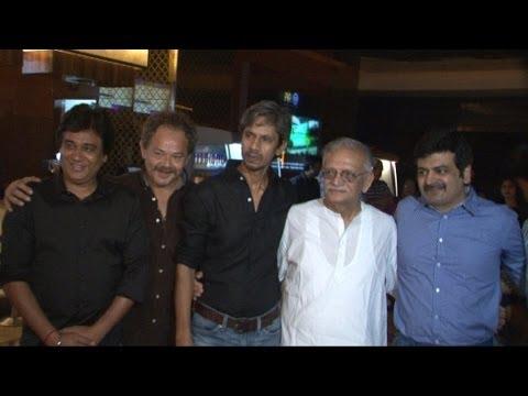 Gulzar,Anubhav sinha & Others At Premiere Of Movie Kya Dilli Kya Lahore