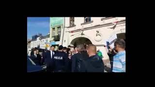 """Zbigniew Ziobro starł się z protestującymi. Miał krzyczeć: """"Wszyscy będziecie siedzieć!"""""""