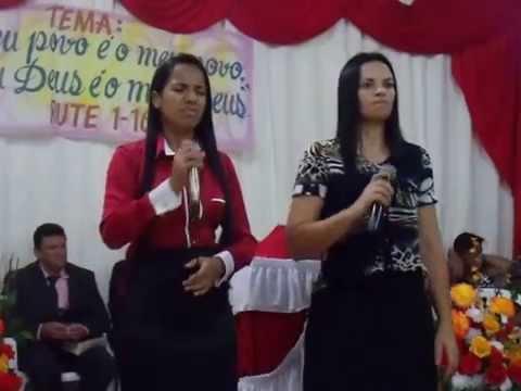 Cantoras Lorena Morais e Ivani -Mãe e filha-cantando em paranaiguara-Go
