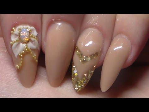 nail art effetto naturale con cristalli