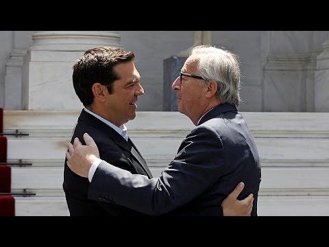 Ζαν Κλοντ Γιούνκερ: «Είμαστε στο πλευρό της Ελλάδας»