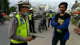 Video MEMBEDAKAN RAZIA RESMI dan ILEGAL , begini pemaparan pak polisi kepada PARA PEMUDA . MP3, 3GP, MP4, WEBM, AVI, FLV Juni 2019