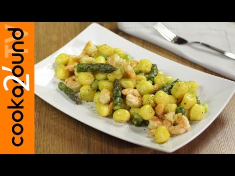 video ricetta: gnocchi con gamberi e asparagi