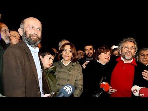Τουρκία: Ελεύθεροι οι δημοσιογράφοι της Cumhuriyet