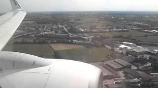 Orio al Serio Italy  City pictures : Ryanair B737 landing in Orio al Serio Airport (Italy, 31/08/'14 )