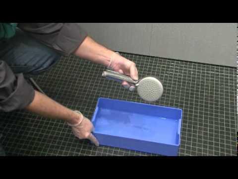 Hansgrohe Technik: Entkalken des Duschkopfes einer Handbrause
