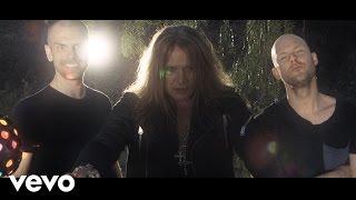 Dada Life videoklipp Born To Rage (feat. Sebastian Bach)