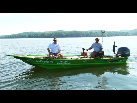 Side Pulling crappie on Pickwick Lake AL