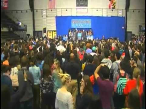 Camera - At Hillary Clinton Event, News Camera Catches Many Empty Seats (October 30, 2014)