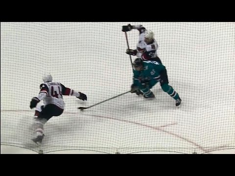 Video: Donskoi carves up Coyotes' defence, sets up Couture
