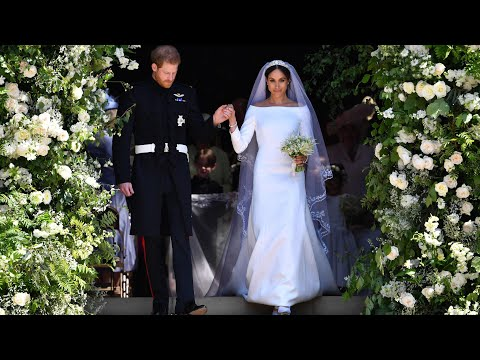 Highlights of Harry and Meghan's wedding 2018: the dress, the vows, the kiss (видео)