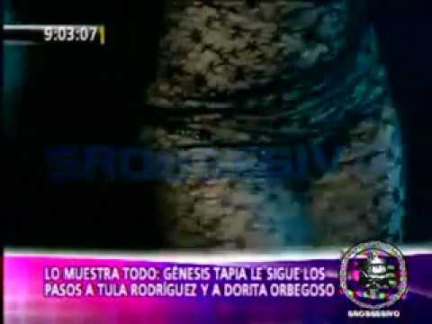 Genesis Tapia bailando en escote transparente