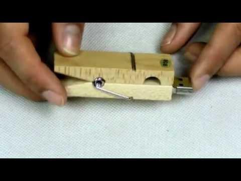 13.26 8GB Wooden Clothespin USB Flash Drive-C01662
