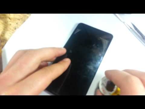 Поменять защитное стекло на телефоне своими руками