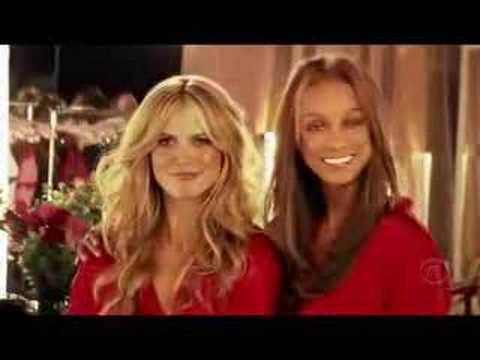 Victoria's Secret Fashion Show 2005 HD 2/5