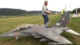 Video Huge Russia Air Force Yakovlev Yak-130 with working Artificial-Horizon Turbine R/C Modell Jet MP3, 3GP, MP4, WEBM, AVI, FLV Juni 2018