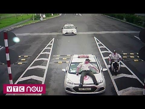 Xác minh danh tính tài xế taxi đâm bảo vệ | VTC1 - Thời lượng: 44 giây.