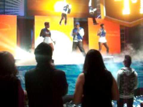 Dirty Money performing @ Teen Choice Awards 2010