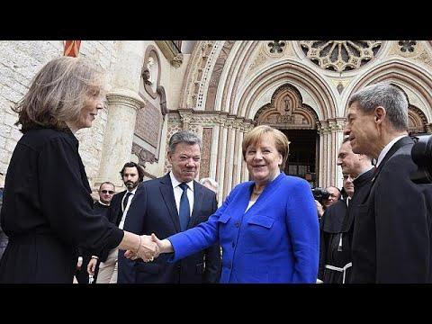 Στη Μέρκελ το «λυχνάρι της ειρήνης» του Αγίου Φραγκίσκου