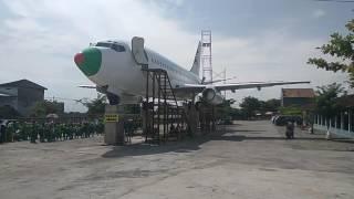 Heboh Ada Pesawat di taman air Janti Pancingan 100 Janti, badan pesawat yang besar menghiasi arena ini, anak-anak sekolah jadi semakin tertarik datang karena...