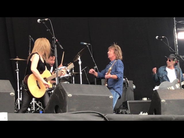 Chris norman don't play your rock n roll to me wiskey and water retropop emmen 10-6-2017