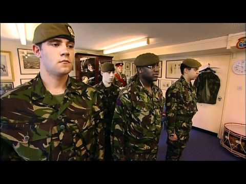 guarding - In this second episode posh but tough Major Thorold Youngman Sullivan and no nonsense right hand man Sgt Major Steve Munro have their work cut out to maintai...