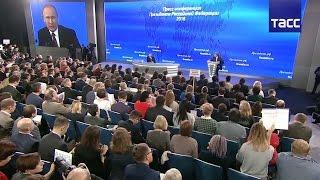 Владимир Путин ответил на вопрос про проблемные секторы в экономике и про возможности роста