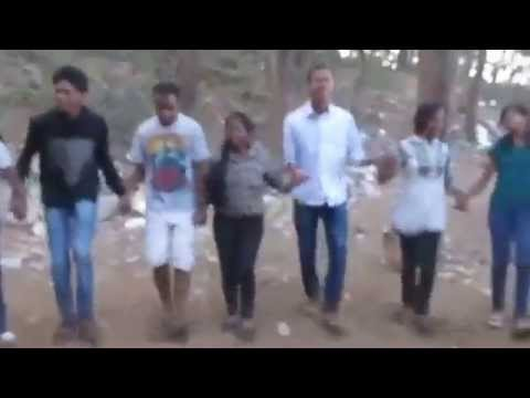 Video chain dance in nagpuri song at pitapali picnic 2014 part 1 download in MP3, 3GP, MP4, WEBM, AVI, FLV January 2017