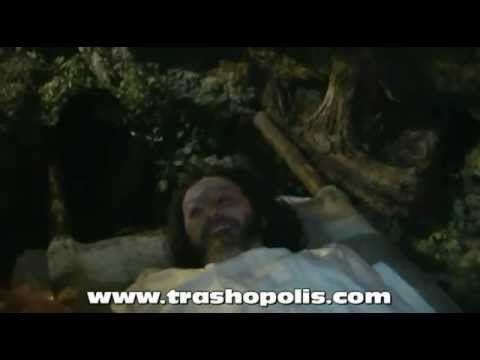 Trashopolis fa resuscitare Gesù in anticipo