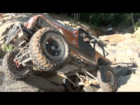 Close call – Off-roader nearly flips Jeep TJ