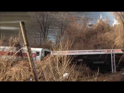 fdny - HERE YOU WILL SEE A MASSIVE RESPONSE FROM THE FDNY, NYPD, PAPD, MTA PD AND EMS SERVICES TO A MAJOR FATAL METRO NORTH TRAIN DERAILMENT IN THE BRONX, NEW YORK ...