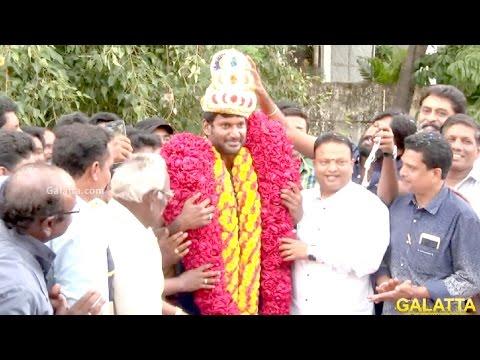 Vishal-Celebrates-His-Birthday-At-Nadigar-Sangam