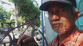 Video Tukang Cilok Bicara Jokowi & Prabowo dukung Mana.?? MP3, 3GP, MP4, WEBM, AVI, FLV Februari 2019