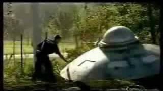 Choi kham - Het hon voi UFO