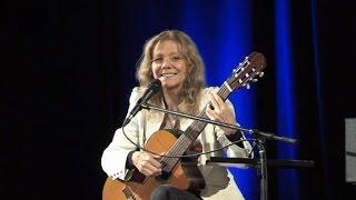Fenomenální kytaristka Lenka Filipová zahrála v Mohelnici