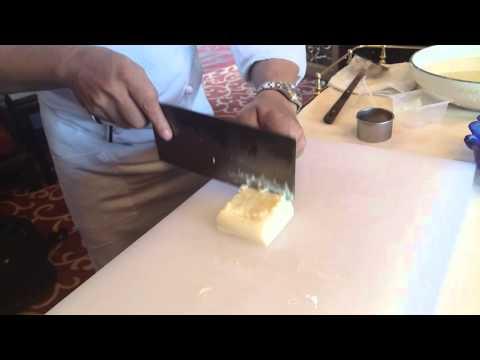 經驗老師傅教你切出最細緻的菊花豆腐