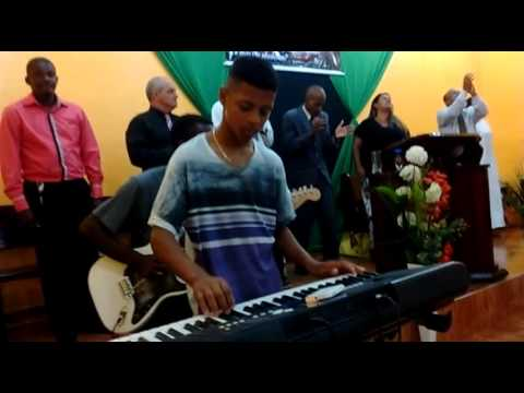 Cantora Cleide Machado em Itaboraí- Sai do Porão
