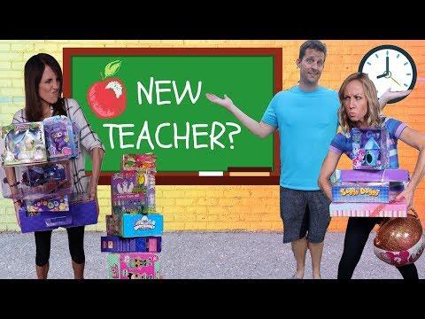New GOOD Teacher at Fake Toy School !!!