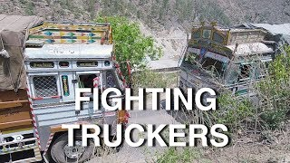 Video Indian Truck Drivers Fighting in the Mountains MP3, 3GP, MP4, WEBM, AVI, FLV Agustus 2018