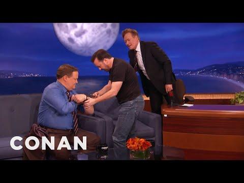 Ricky Gervais Teaches Conan  Andy To Play A hole Or