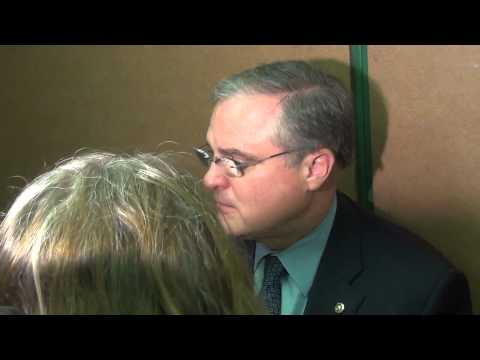 Video: Video: Sen. Mark Pryor Runs Away from Reporter Asking Perfectly Reasonable Questions