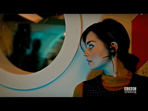 Doctor Who 9.03 (Clip 'Running from Ghosts')