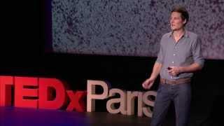 Video 400,000 galaxies, et toi et moi, au centre de l'univers: Christophe Galfard at TEDxParis MP3, 3GP, MP4, WEBM, AVI, FLV September 2017
