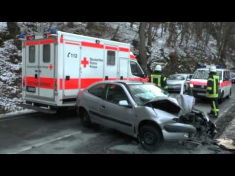Schreufa: Frontal gegen Baum geprallt