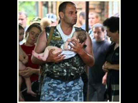 Житель Омска взял в заложники 5 детей и угрожает взорвать многоэтажку