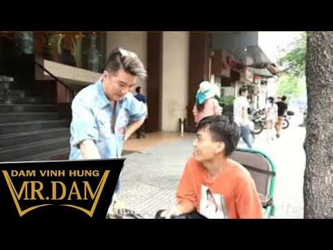 Cảm động cậu bé đi xe lăn 12 tiếng để gặp Đàm Vĩnh Hưng - Thời lượng: 6:26.