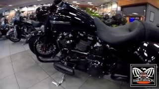 1. 2017 ~ 2018 Harley Davidson Road King Special New Model
