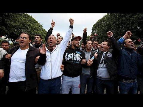 Τυνησία: Απαγόρευση κυκλοφορίας μετά το κύμα βίαιων διαδηλώσεων